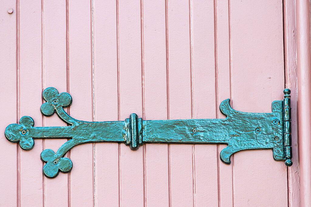 door-hinge