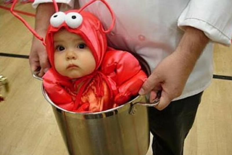 funny-kids-halloween-costumes-lobster-1-24458.jpg