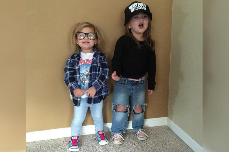 funny-kids-halloween-costumes-waynes-world-1-72846.jpg