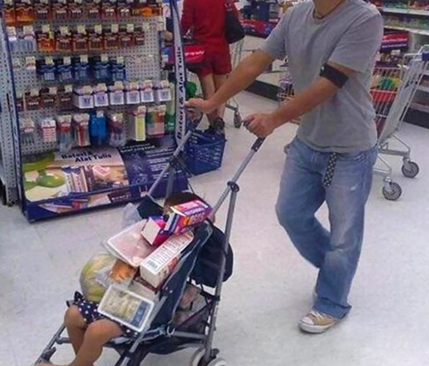 Funny-Dad-Fail-in-store-37853