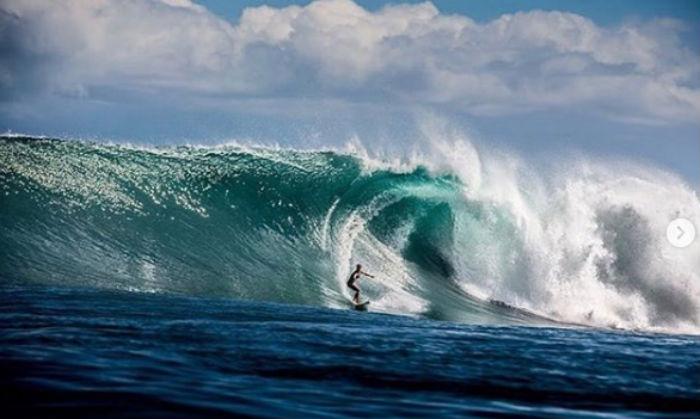 Liz Surfing