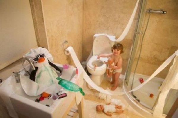 messy-kids-bathroom-mess-35297.jpg