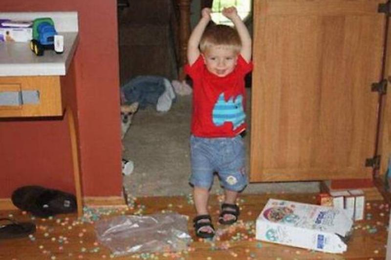 messy-kids-cereal-33274.jpg