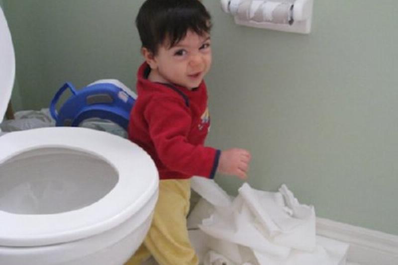 messy-kids-toiletpaper-69350.jpg