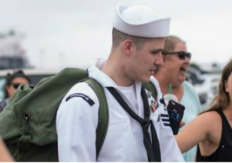 navy-man-wife-secret-1