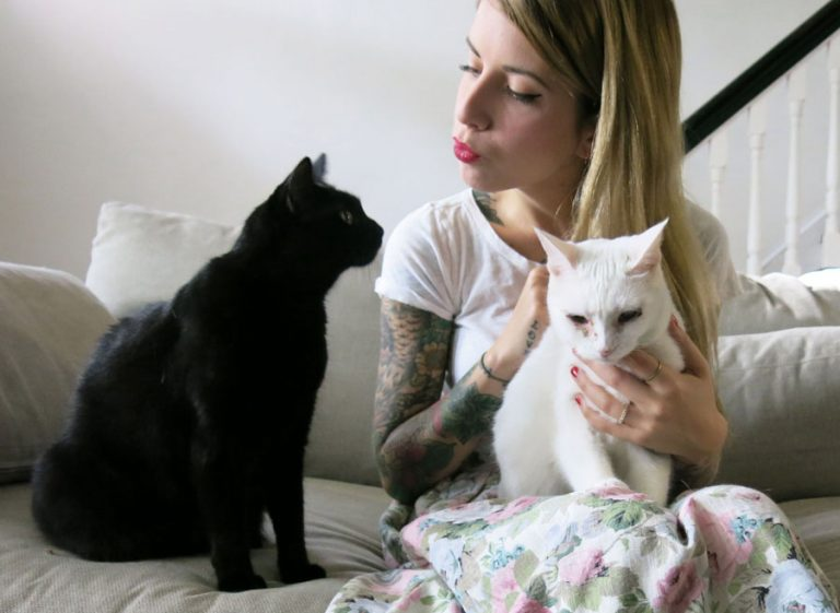 hannah shaw with her cats coco and eloise