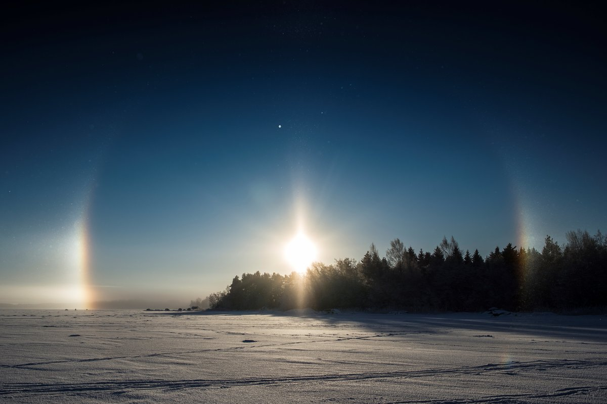 what does a solar halo look like