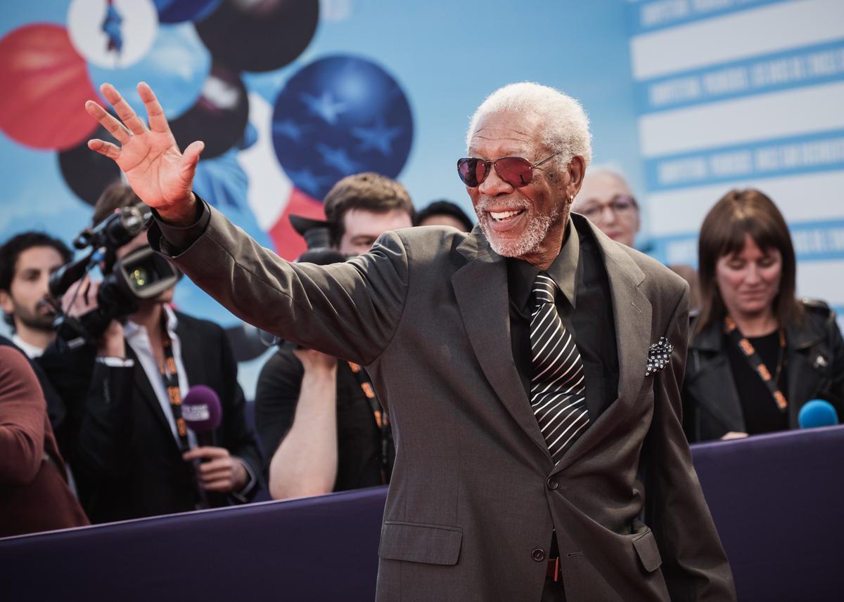 Morgan Freeman waving in France