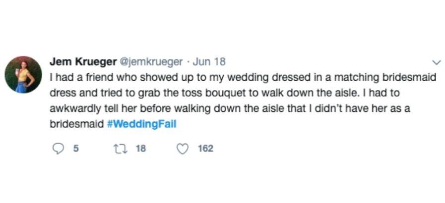 tweet friend wedding awkward