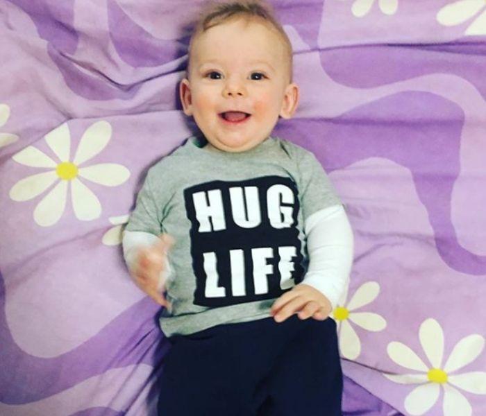 funny baby hug life shirt funny