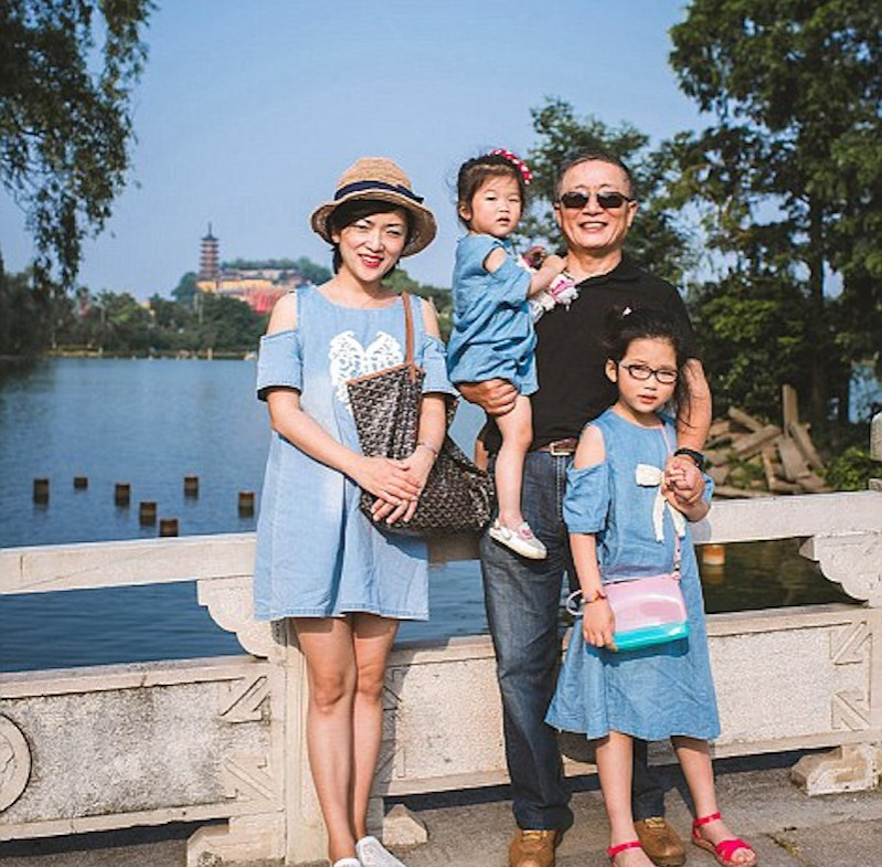 2014 picture whole family two granddaughters, hua, and huahua