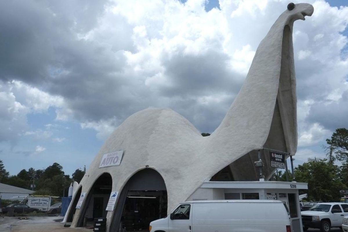 dinosaur car shop looks like an apatosaurus