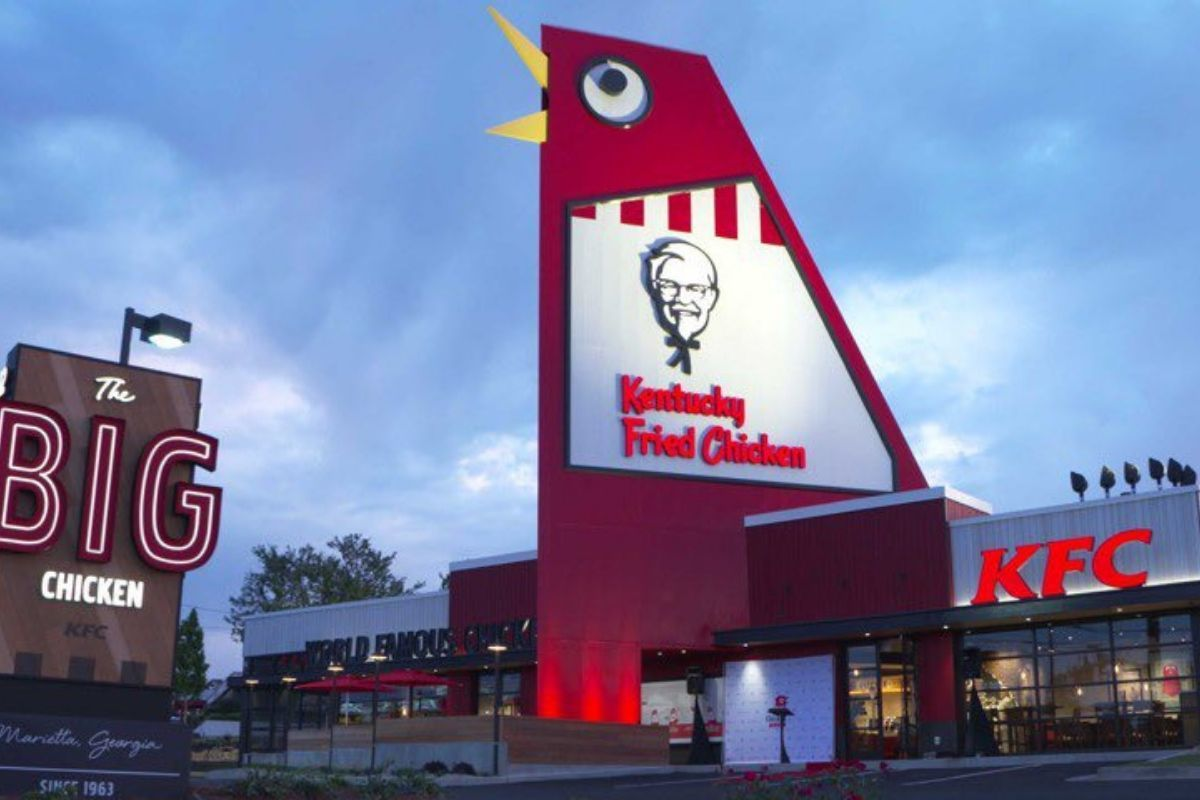 KFC chicken head building big old ugly chicken shaped building