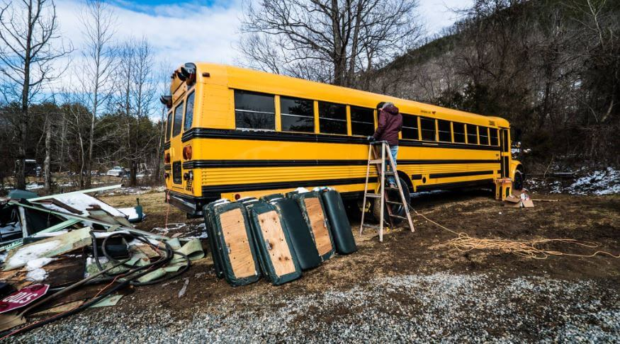 couple-builds-dream-home-school-bus_003.jpg-28391