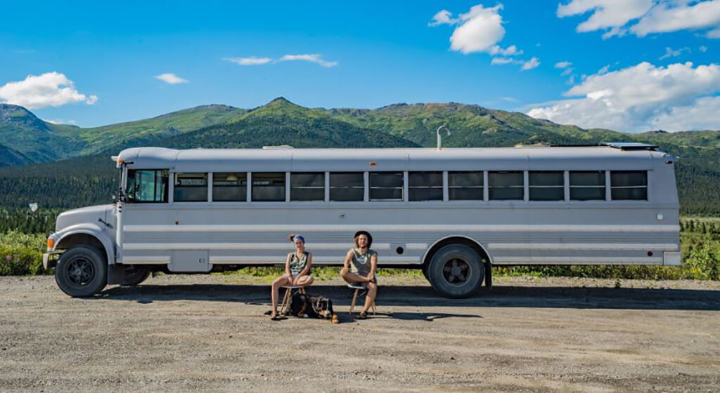 couple-builds-dream-home-school-bus_026.jpg-32941