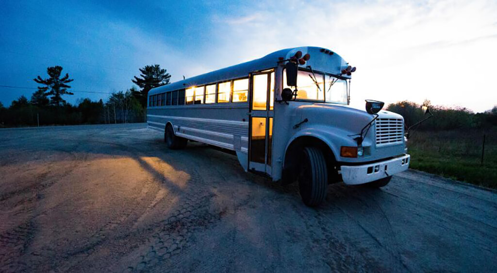 couple-builds-dream-home-school-bus_029.jpg-94826