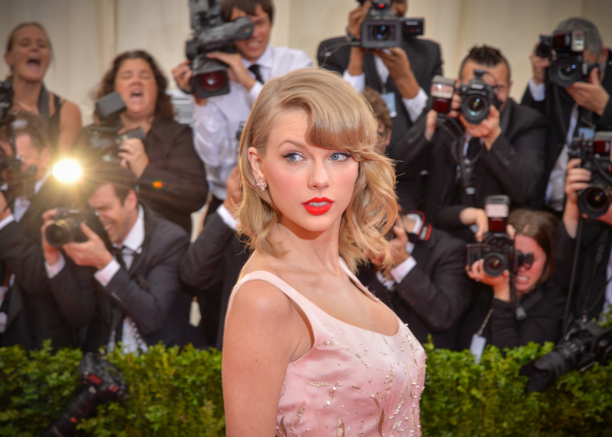 TSwift at Met Gala 2014
