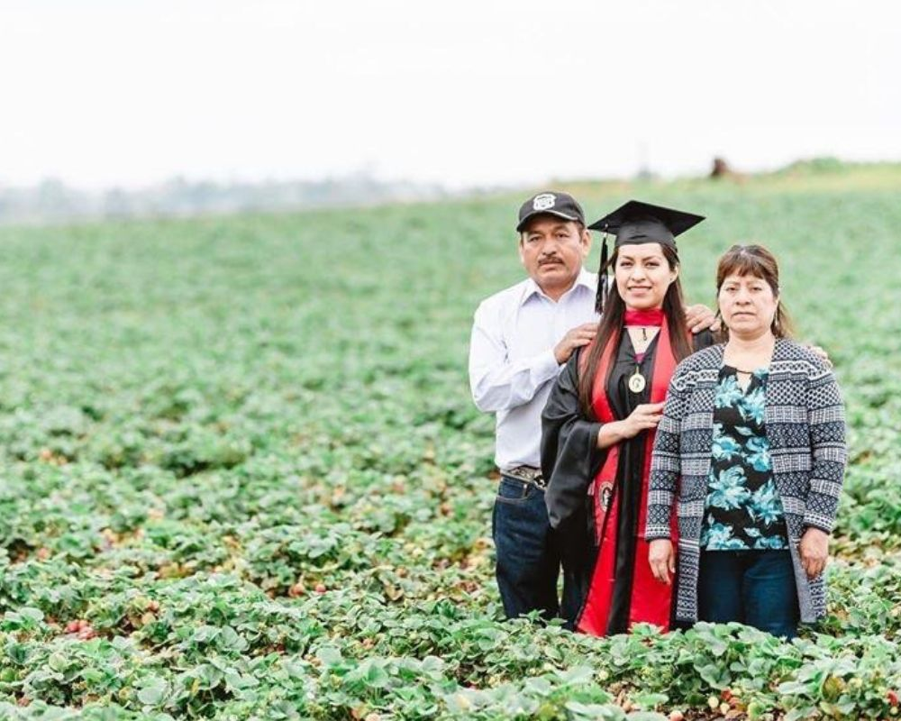 college grad took photos with her immigrant parents in the fruit fields where they worked