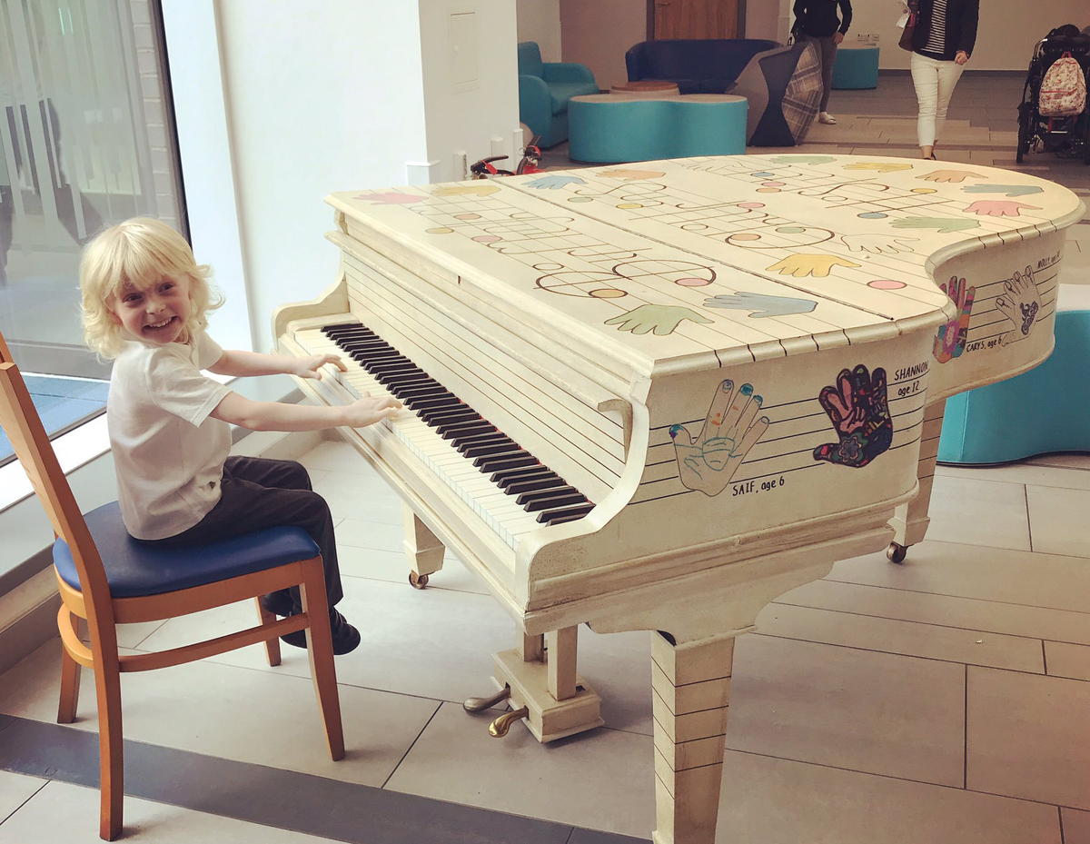 Five-year-old Oscar plays the piano to celebrate being cancer-free