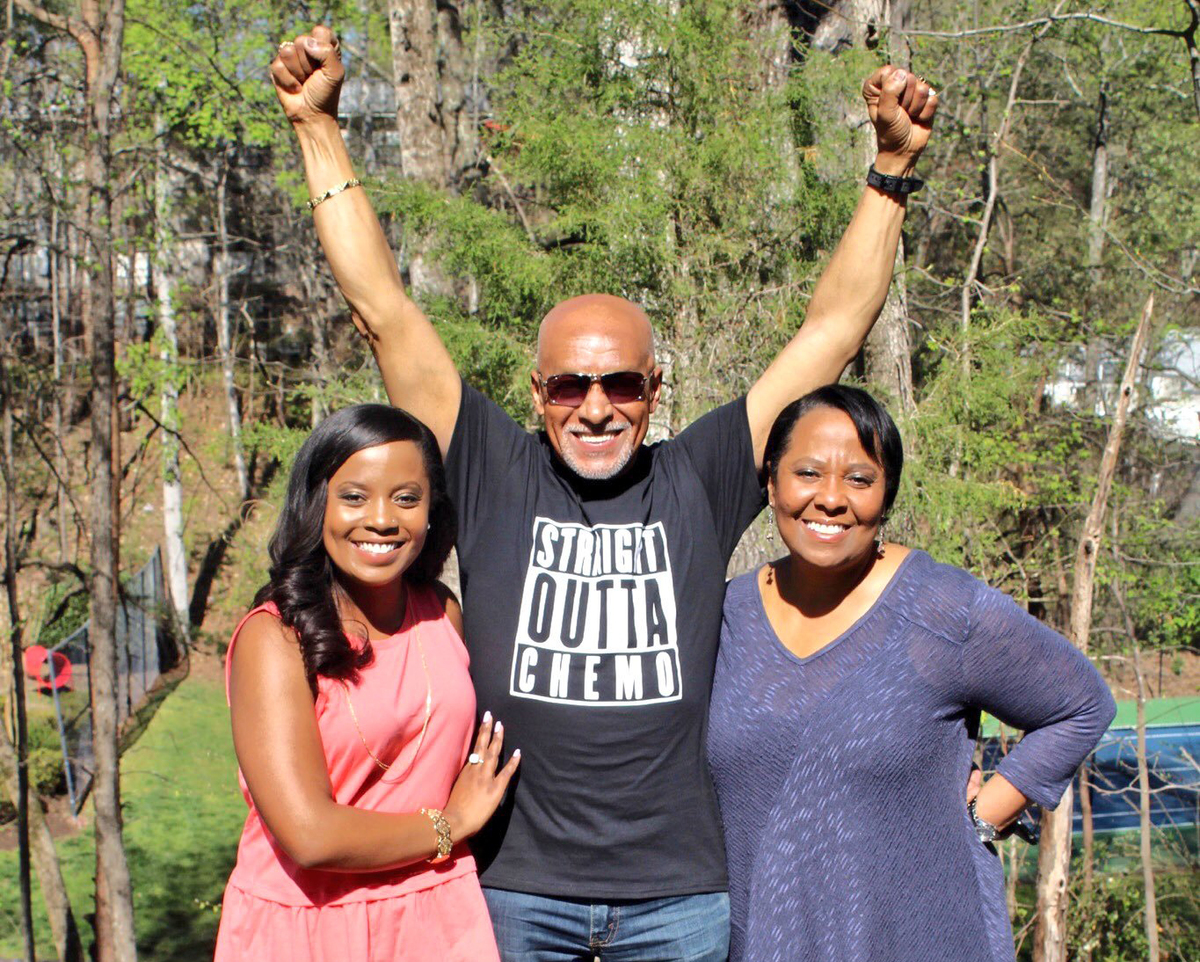 Father celebrates with family that he's cancer-free