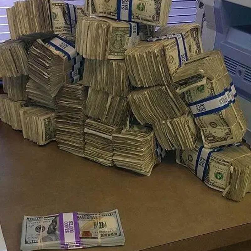 100 bills next to each other