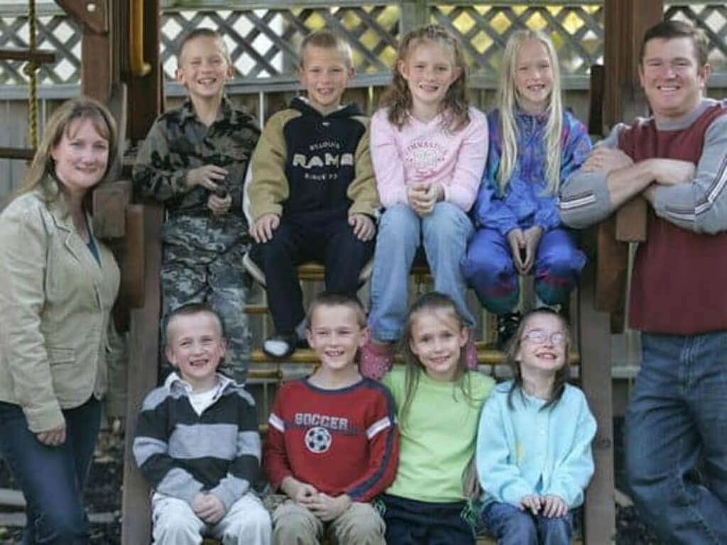 13-mccaughey-septuplets-today-75413-47182