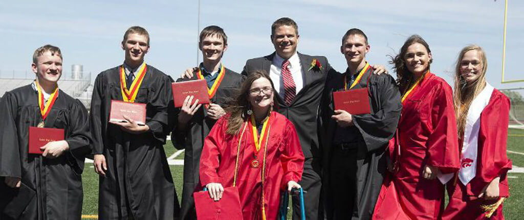 18-mccaughey-septuplets-today-65168-86381