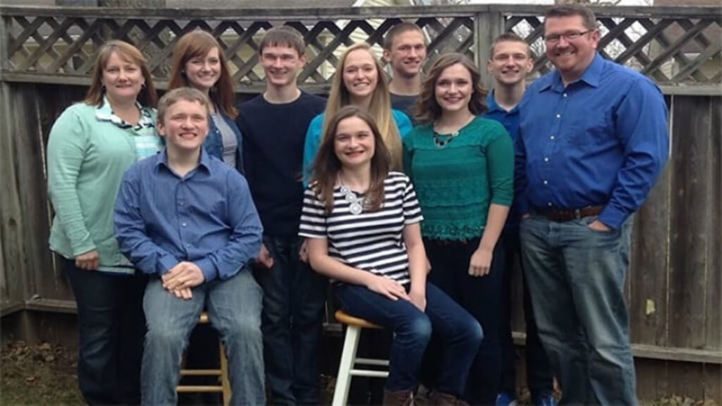 20-mccaughey-septuplets-today-14185-22817
