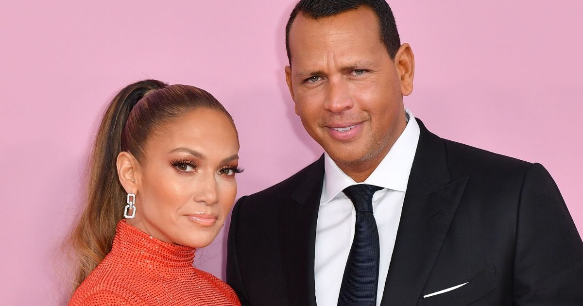 Jennifer Lopez and fiance former baseball pro Alex Rodriguez arrive for the 2019 CFDA fashion awards 2019