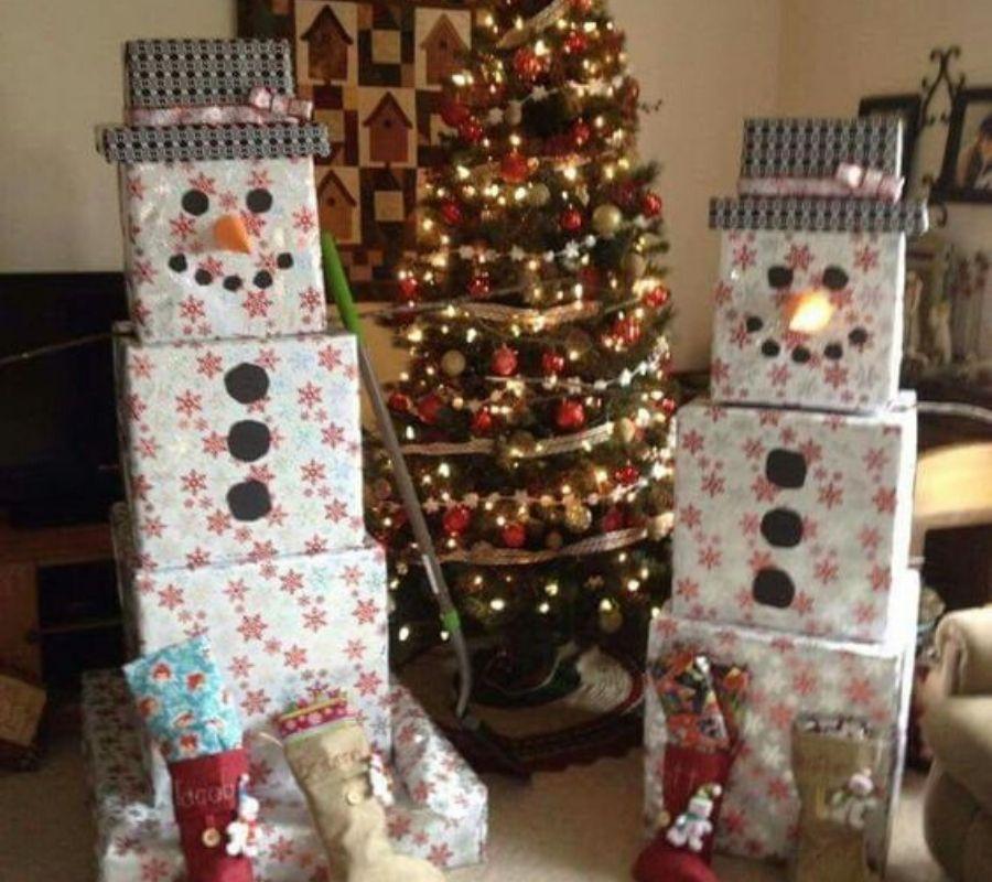 snow man presents