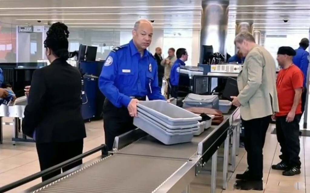 4-airport-security-30538