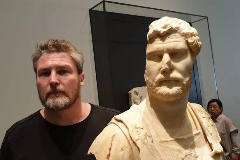 emperor-hadrian-doppelganger