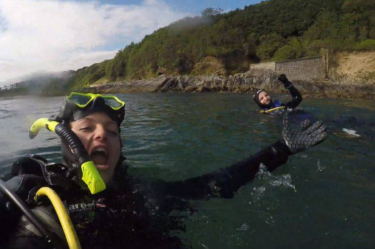 excited-sea-diver