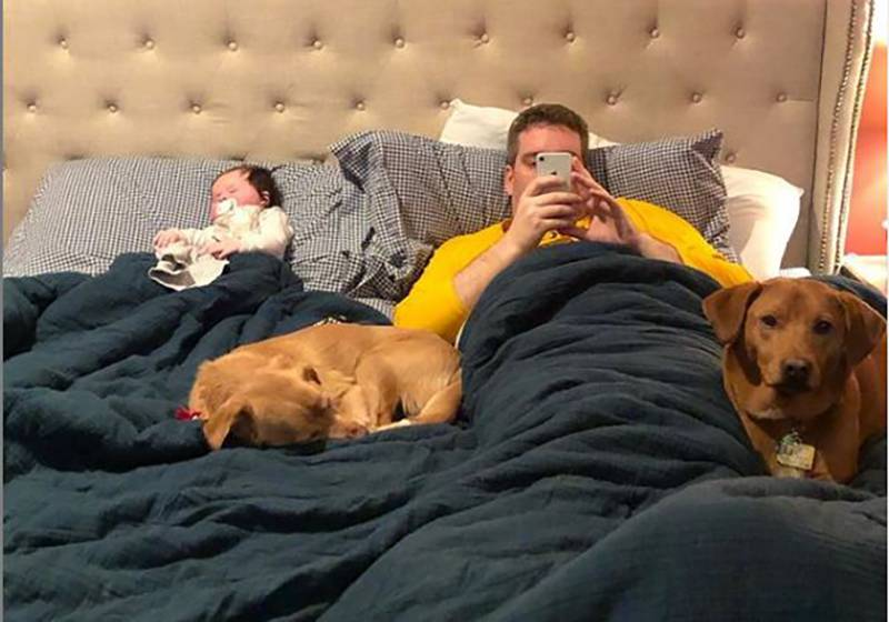 Suzy sleeps with Jack, George, and Jack's one-month-old daughter.