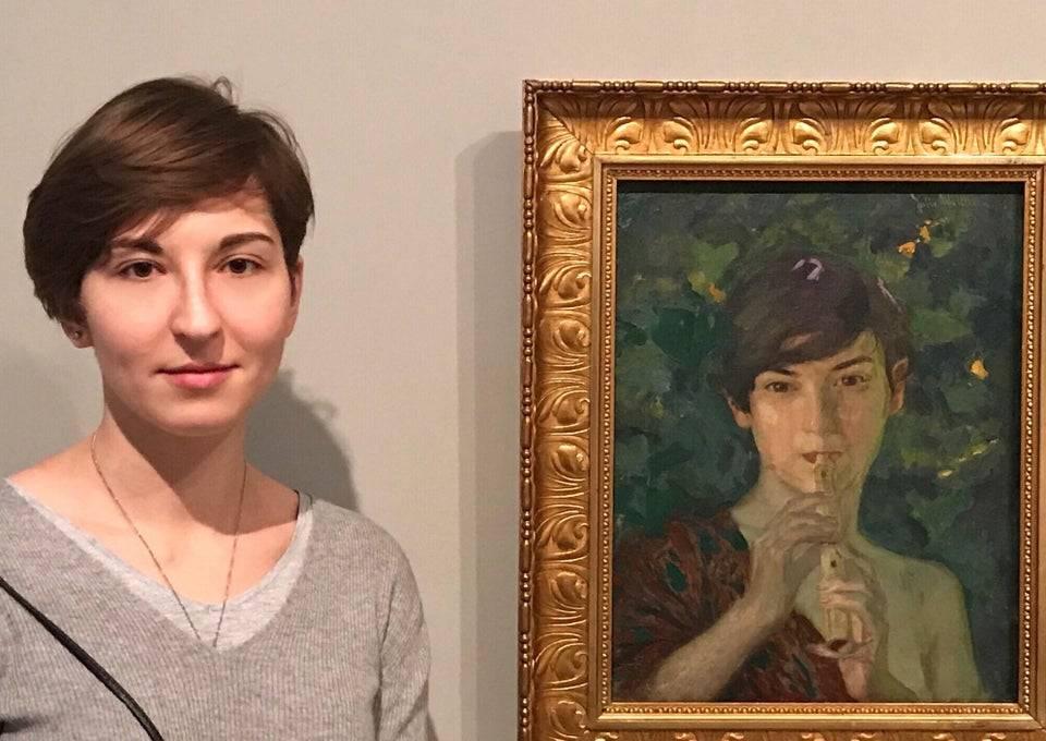 woman-looks-like-art-piece