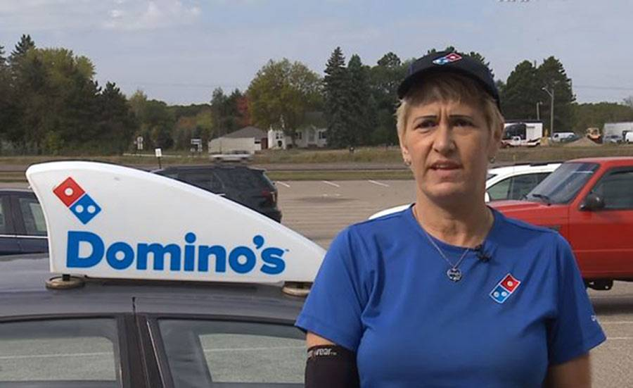 pizza-delivery-driver-heartwarming-story-20-98927-78557