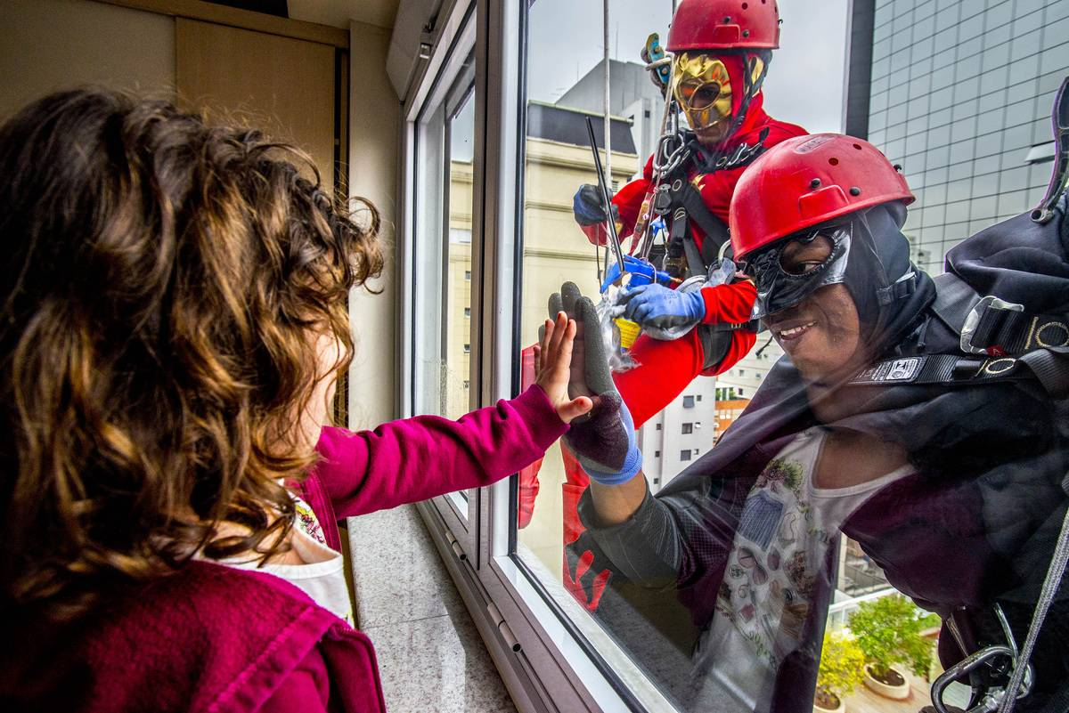 superhero-window-washers
