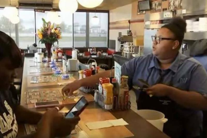 2-FOX8-WGHP-waitress-hidden-camera-39235
