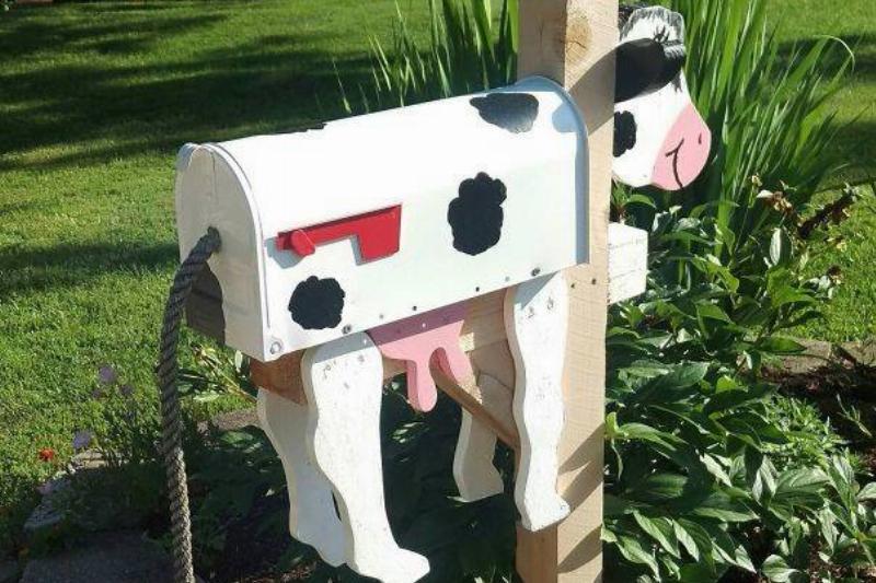 cow-mailbox