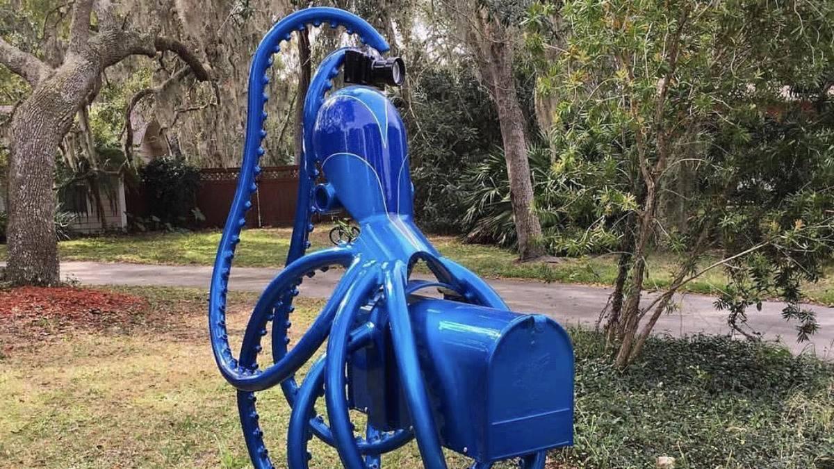 octopus-mailbox