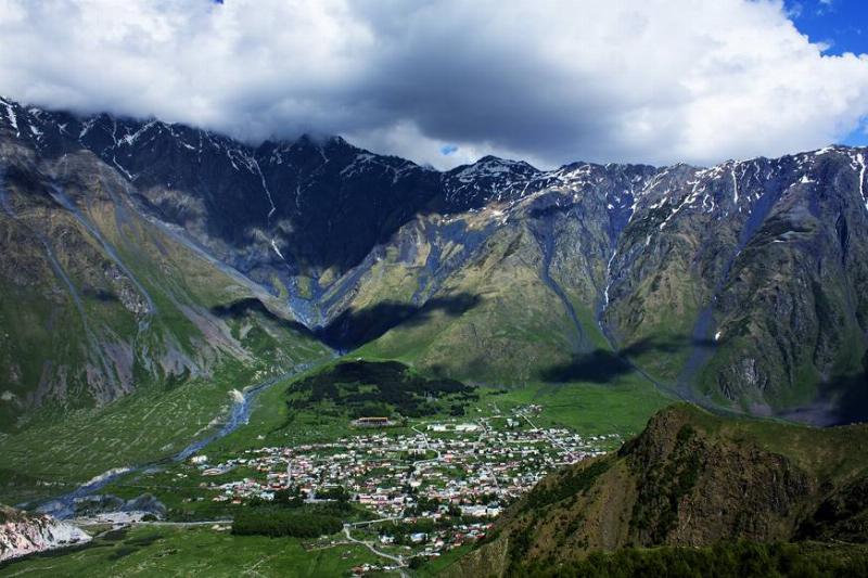 Khevi,_Georgia_—_Mountainous_Town_Stepantsminda