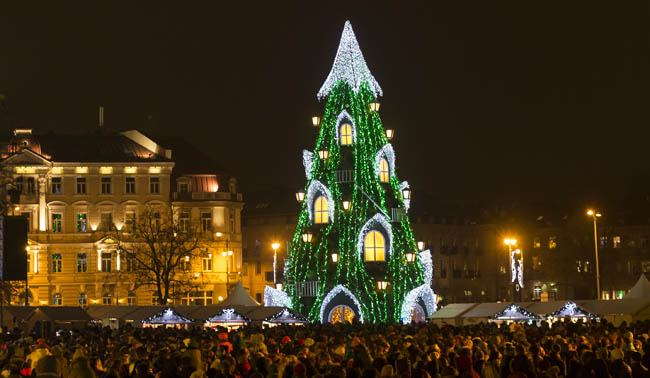 008-13-the-christmas-market-in-lithuania-819029