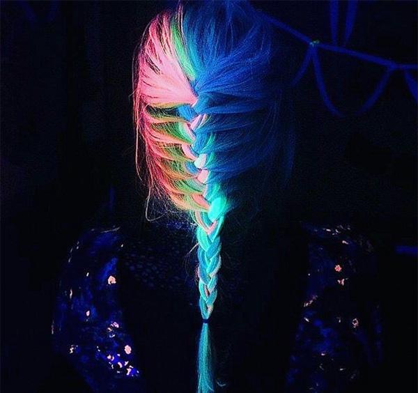 2016 trend - glow in the dark hair