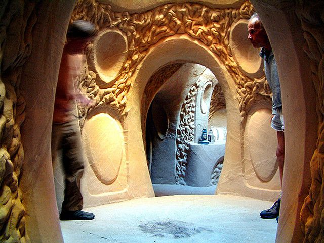 Man spends 25 years carving cave houses - The cave the modern home in the mexican desert ...
