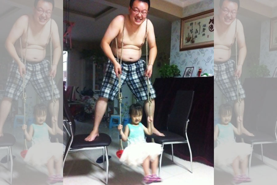 This Dad Made The Best Of An Indoor Situation