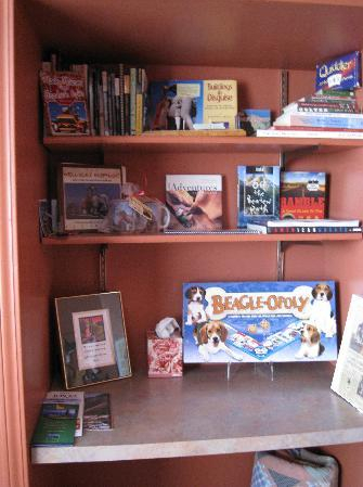Dog Themes Bed and Breakfast - Gift Shop