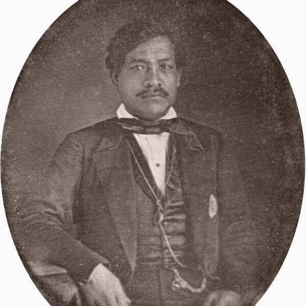 Kamehameha_III_daguerreotype_c._1853_cropped-600x740.jpg