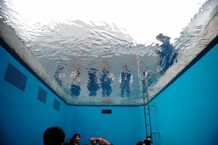 Leandro Erlich Pool Illusion