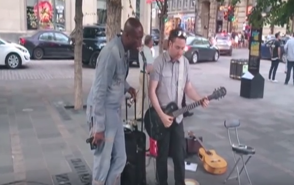 Seal singing on the streets