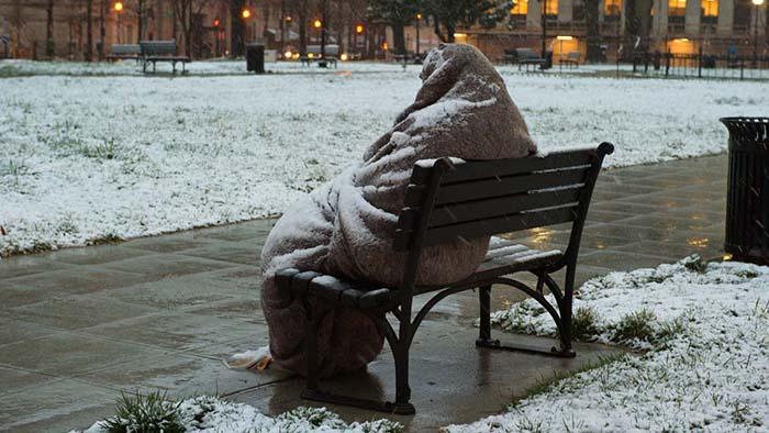 Teens help homeless man in a blizzard